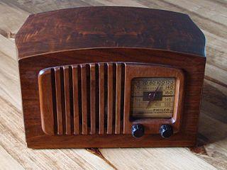 320px-Philco_radio_model_PT44_front