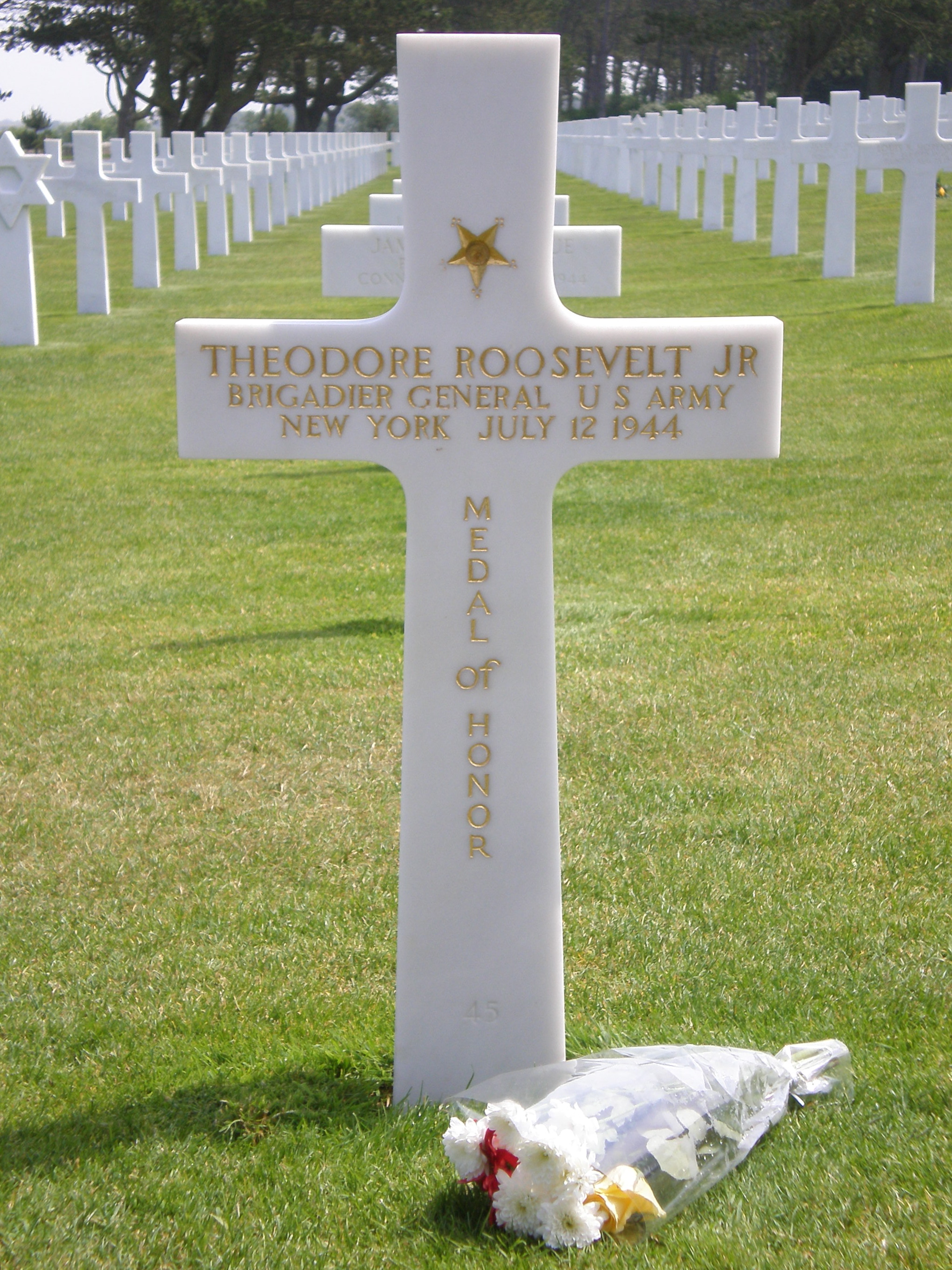 Grave of Theodore Roosevelt Jr. - Gravestone at Normandy American Cemetery and Memorial
