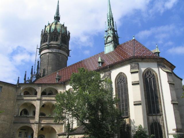 http://en.wikipedia.org/wiki/File:Wittenberg_Schlosskirche.JPG