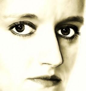 http://www.publicdomainpictures.net/view-image.php?image=21599&picture=woman-face