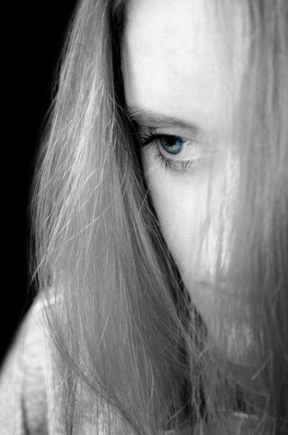 http://www.publicdomainpictures.net/view-image.php?image=25533&picture=sad-woman