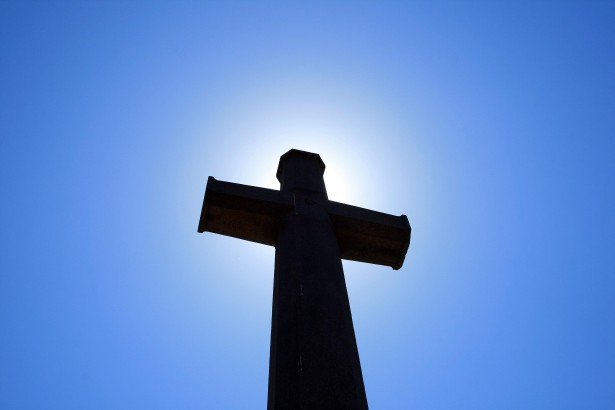 http://www.publicdomainpictures.net/view-image.php?image=103163&picture=cross-memorial