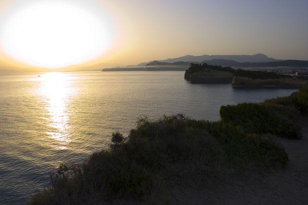 http://www.publicdomainpictures.net/view-image.php?image=207&picture=sunrise