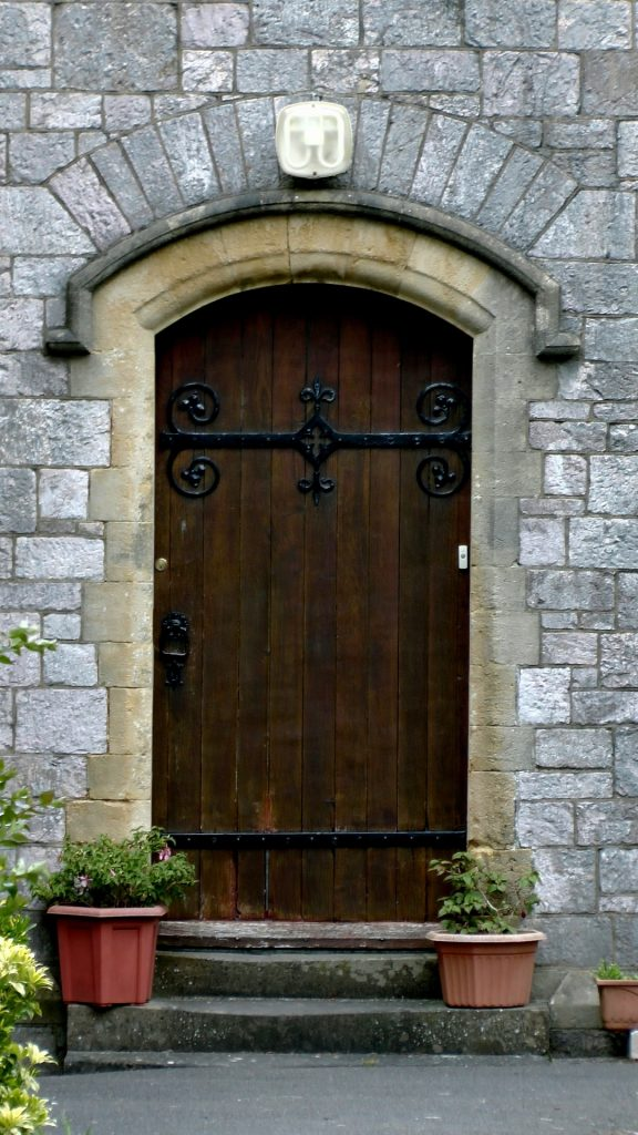 http://www.publicdomainpictures.net/view-image.php?image=120506&picture=church-residence-door