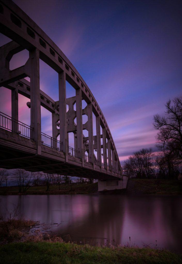 http://www.publicdomainpictures.net/view-image.php?image=109557&picture=under-the-bridge