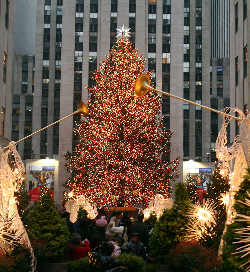 https://commons.wikimedia.org/wiki/File:Xmastreenewyork06.jpg