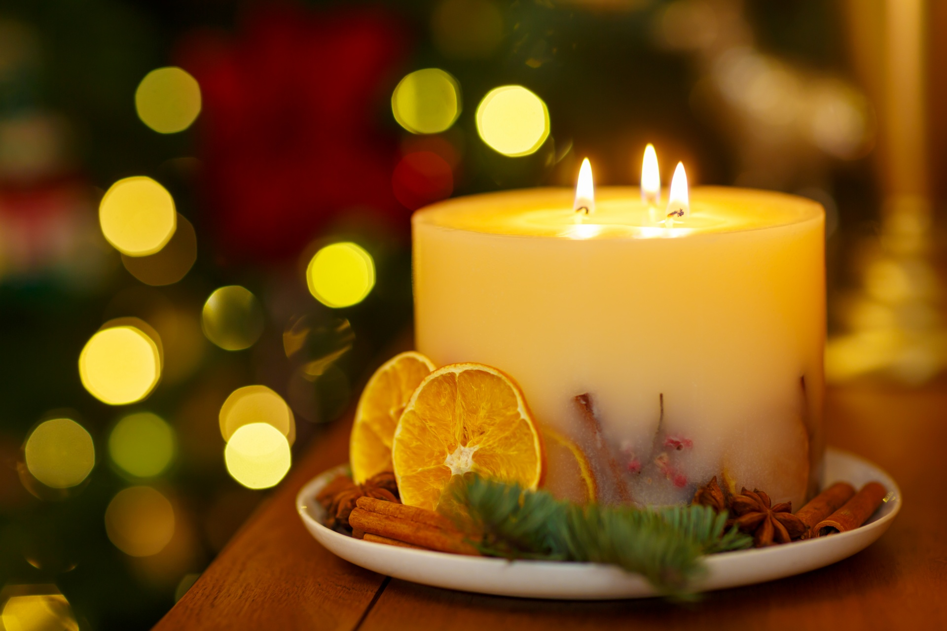 http://www.publicdomainpictures.net/view-image.php?image=140523&picture=christmas-candle