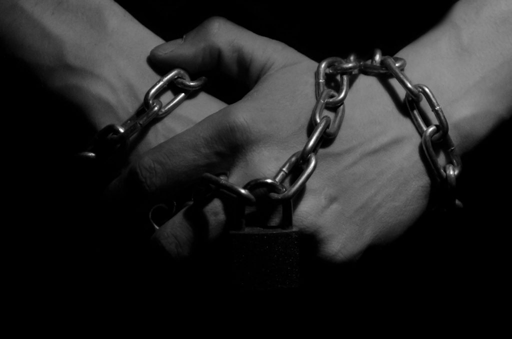 http://www.publicdomainpictures.net/view-image.php?image=40426&picture=hands-in-chains