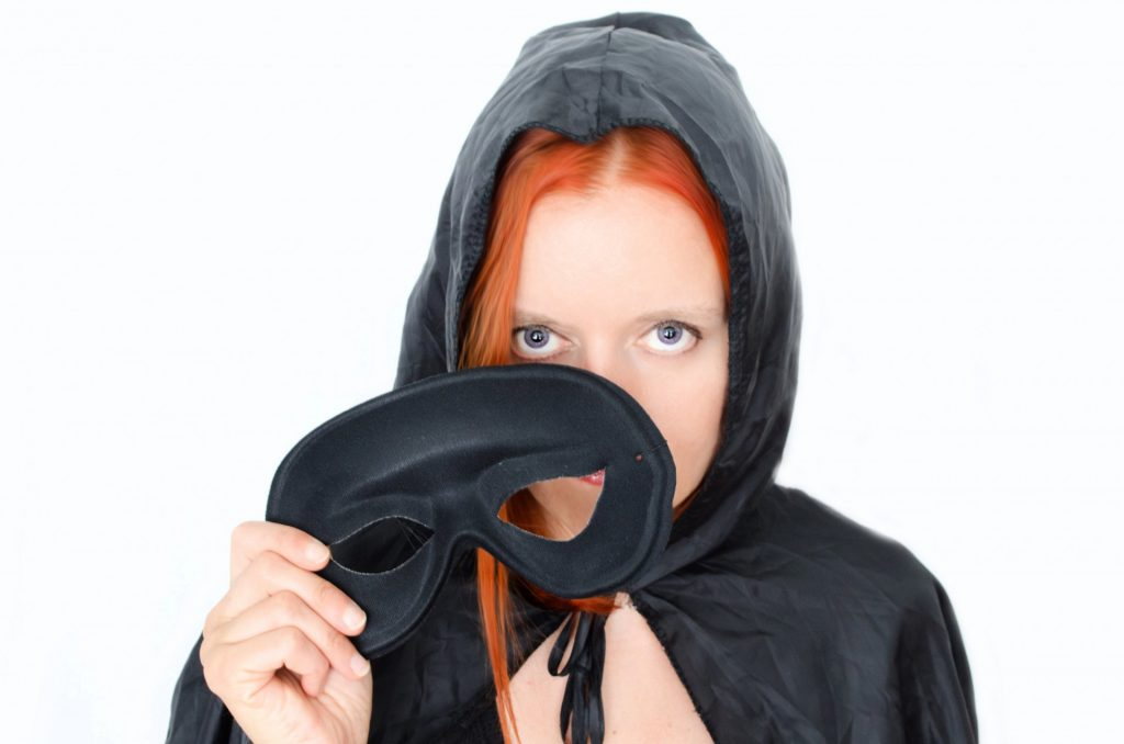 http://www.publicdomainpictures.net/view-image.php?image=49634&picture=woman-and-mask