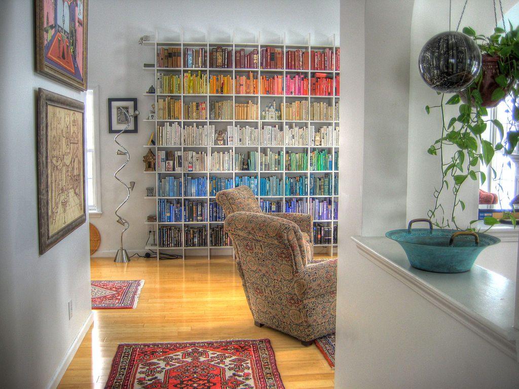 https://en.wikipedia.org/wiki/Bookcase#/media/File:Rainbow_Bookshelf.jpg
