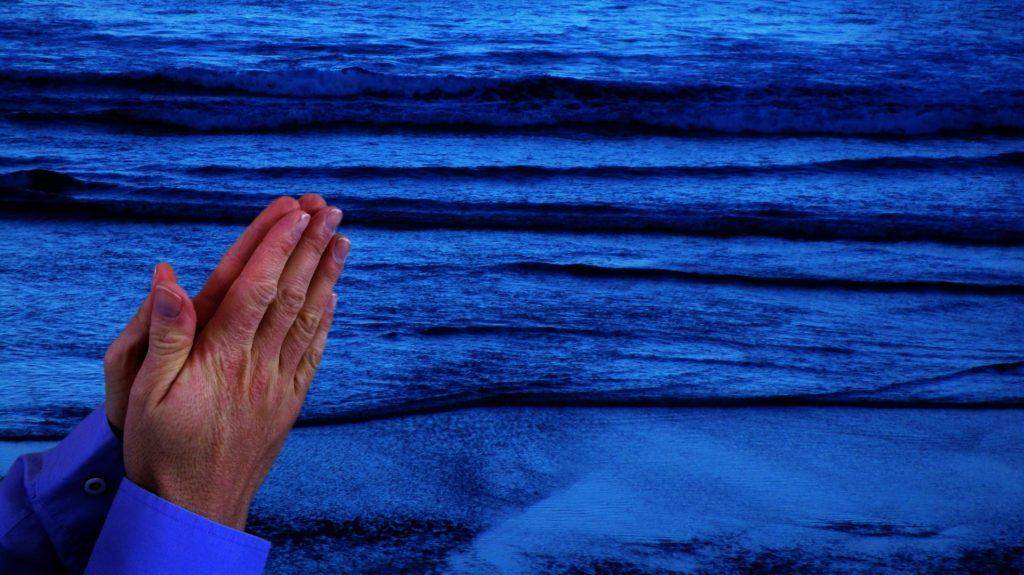 http://www.publicdomainpictures.net/view-image.php?image=220356&picture=praying-hands-at-sea