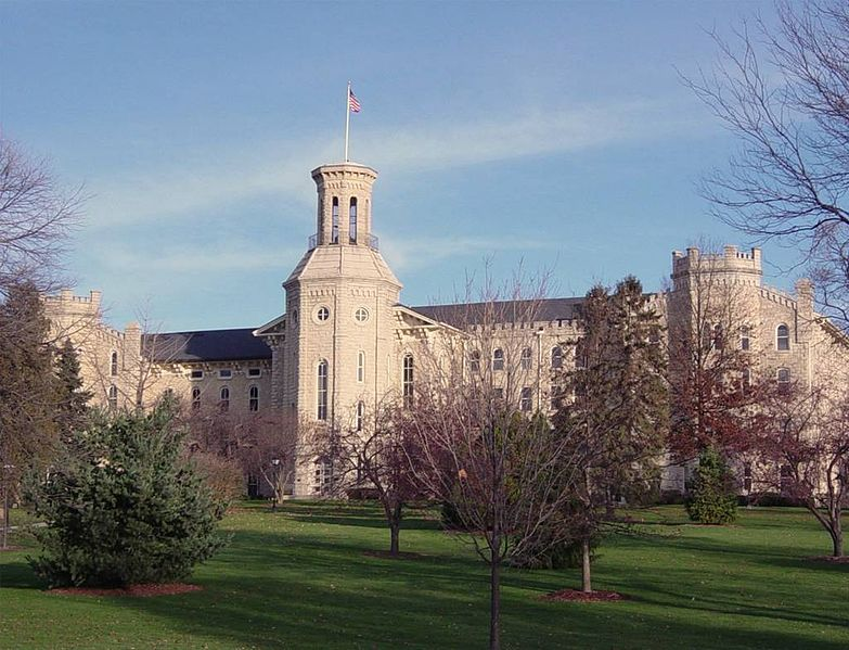 https://commons.wikimedia.org/wiki/File:WheatonCollege.jpg