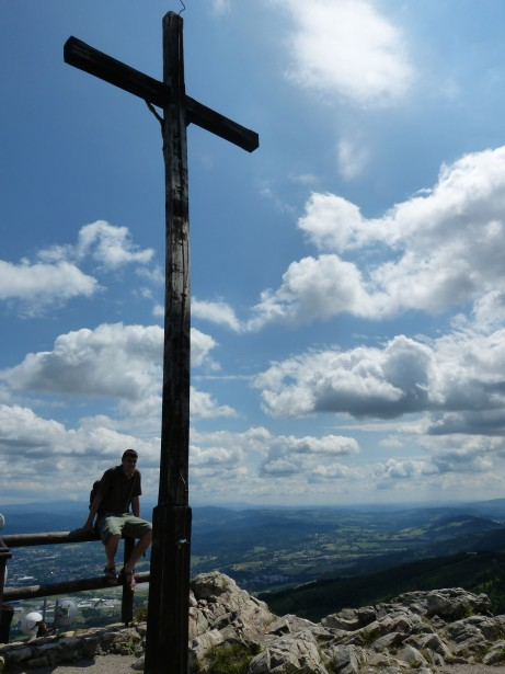 http://www.publicdomainpictures.net/view-image.php?image=53323&picture=wooden-cross